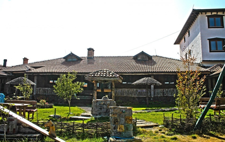 ethno-house-serbian-food-place