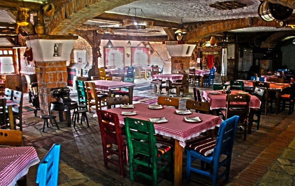 hotel-restaurant-best-food-in-town