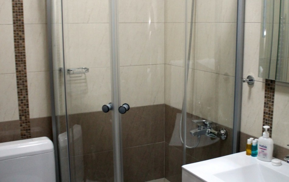 bathroom-ulpiana-hotel-gracanica